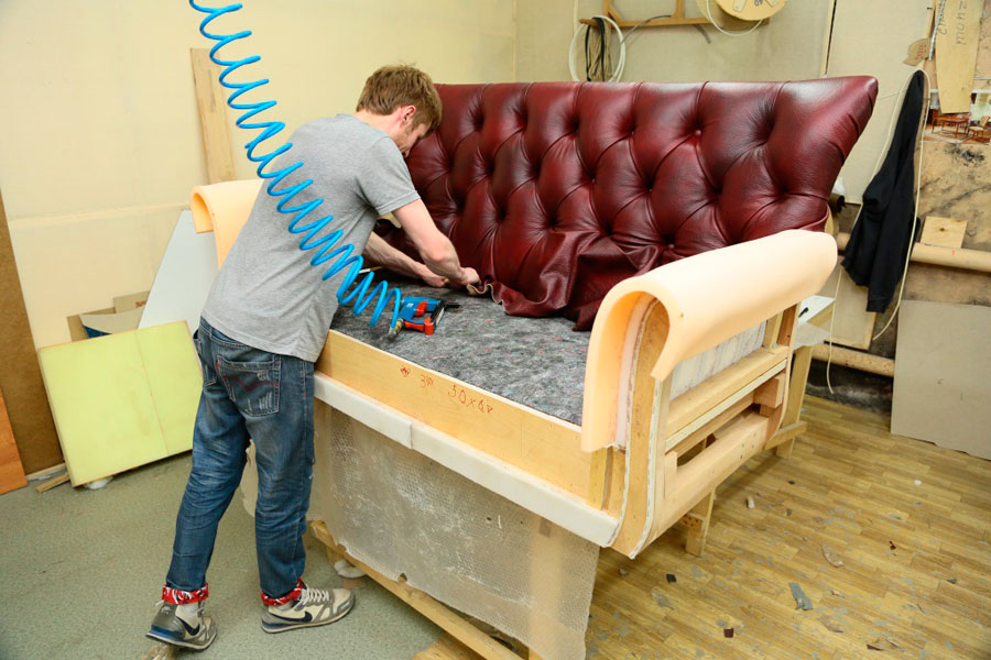 Ремонтируем дивана своими руками 83